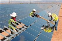 چین و ایتالیا در یزد نیروگاه آفتابی می سازند
