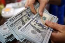 صادرکنندگان و واردکنندگان از صرافی ها ارز بخرند