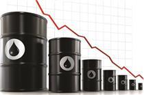 سقوط سنگین قیمت نفت با نگرانی از رشد اقتصادی و عرضه مازاد