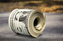 صرافیهای تهران: دلار نه میخریم و نه میفروشیم!