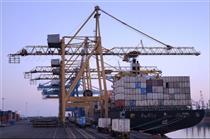 تراز تجاری منفی به علت عدم رشد صادرات است