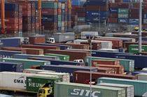 واردات کالا به کشور با تأیید سه وزارتخانه