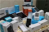 عرضه ۳۰۰ هزار گوشی تلفن همراه در بازار